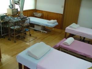 治療器具・ベッド4台